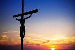 Jesus Christ på korset arkivfoton