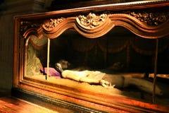 Jesus Christ que cinzela a madeira prostrado em uma igreja de Lisboa imagens de stock royalty free