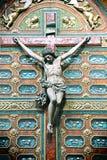 Jesus christ som korsfästas, med relikskrin Royaltyfri Foto