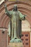 Jesus Christ Statue In Front einer Kirche bei Diemen die Niederlande Lizenzfreie Stockfotos