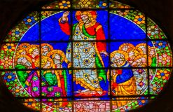 Jesus Christ Worshipers Stained Glass Duomodomkyrka Florence I royaltyfri foto
