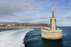 Jesus Christus-standbeeld bij de haveningang in Tarifa Stock Foto