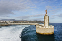 Jesus Christus-Statue an der Hafeneinfahrt in Tarifa Stockfoto