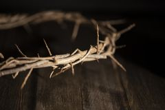 Jesus Crown della spina in un ambiente lunatico scuro immagine stock libera da diritti