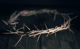 Jesus Crown della spina in un ambiente lunatico scuro fotografia stock libera da diritti