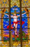 Jesus Crucifixion Stained Glass All-Heilig-Schloss-Kirche Schloss lizenzfreie stockfotos