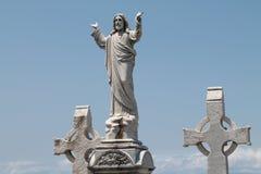 Jesus e duas cruzes Foto de Stock Royalty Free