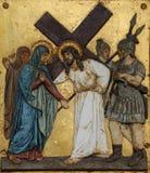Jesus encontra sua mãe, 4ns estações da cruz Imagens de Stock