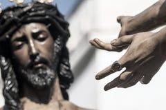 Jesus för Pilate, helig vecka i Seville, brödraskap av San Benito Arkivfoton