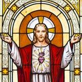 Jesus-Fensteranstrich im Kirchhof Stockfotos