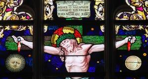 Jesus na cruz - vitral foto de stock royalty free
