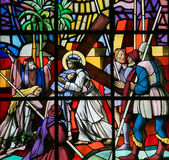 Jesus op via Dolorosa - Gebrandschilderd glas Royalty-vrije Stock Foto