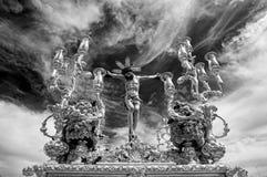 Jesus på korset, brödraskap av San Bernardo, helig vecka i Seville Royaltyfri Bild