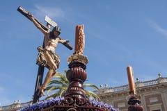Jesus på korset, brödraskap av studenterna, helig vecka i Seville Royaltyfri Foto