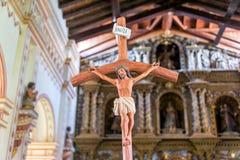 Jesus på korset i San Ramon, Bolivia Arkivfoton