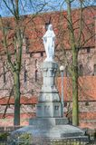 Jesus staty bredvid romaren - katolsk kyrka av John The Baptist Royaltyfria Foton
