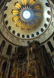 Jesus Tomb inre kyrka av den heliga griften, Jerusalem Arkivbild