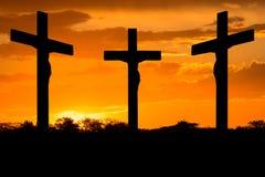 Jesus und Kreuze lizenzfreie stockfotografie