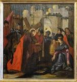 Jesus wird sein Kreuz gegeben stockfoto