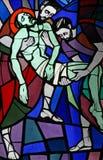 Jesus wordt gelegd in het graf en in wierook gelegd Royalty-vrije Stock Afbeeldingen