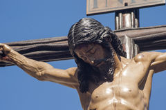 Jesuss död på korset, helig vecka i Seville, brödraskap av studenter Arkivfoton