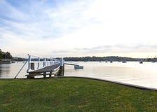 Jetée de bateau ou pont et paysage Photo libre de droits