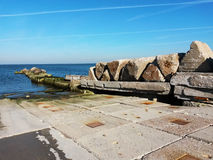 Jetée de mer en pierre Images libres de droits