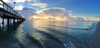 Jetée et la mer Image libre de droits