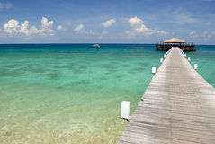 Jetée sur l'île de Tioman, Malaisie image stock