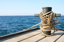 Jetée sur le rivage de la mer Image libre de droits