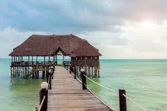 Jetée sur Zanzibar dans l'Océan Indien photos stock