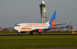 Jet2波音737离去斯希普霍尔 免版税库存图片