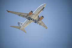 Jet aircraft over naama bay, sharm el sheikh, egypt Stock Photography