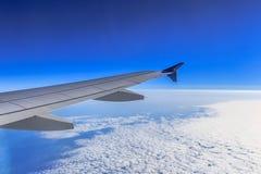 Jet Airliner Wing et saumon photos stock