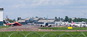 Jet Airplanes à l'aérodrome photographie stock libre de droits