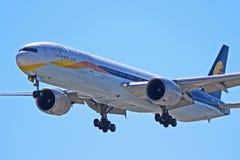 Jet Airways Boeing 777-300ER VT-JEQ foto de stock