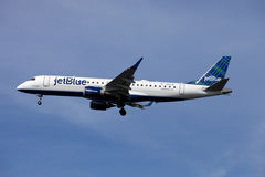 Jet Blue airline passenger jet (Embraer 190) Stock Photo