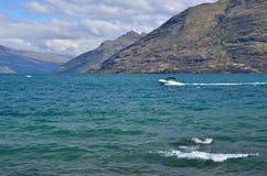 Jet Boat Lake Wakatipu New Seeland Lizenzfreie Stockfotos