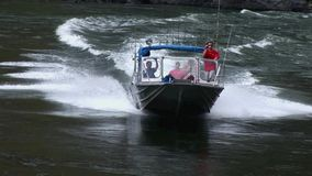 Jet-Boot, das herauf Fluss Snake River Höllen-Schlucht vorangeht