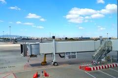 Jet-Brückenflughafen Lizenzfreie Stockfotografie