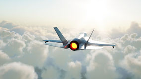 Jet, combatiente que vuela sobre las nubes Concepto de la guerra y del arma representación 3d fotos de archivo libres de regalías