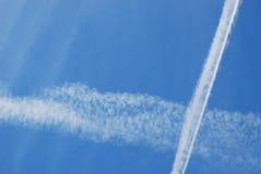 Jet Contrails Fotografering för Bildbyråer