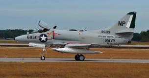 Jet d'attaque de la marine A-4 Skyhawk Photos libres de droits