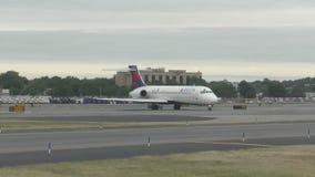 Jet de Delta Airlines en 4K metrajes