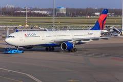 Jet de fuselaje ancho de Airbus del delta Imagen de archivo libre de regalías