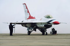 Jet de los Thunderbirds del U.S.A.F., halcón de F-16C Fotografía de archivo