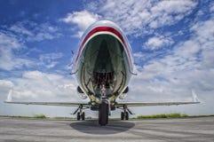 Jet de tamaño mediano parqueado Fotos de archivo libres de regalías