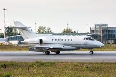 Jet del negocio en la pista Fotos de archivo libres de regalías