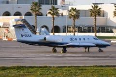 Jet del negocio parqueado en delantal Imagen de archivo libre de regalías