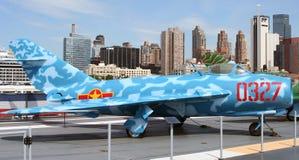 Jet di MIG 17 su USS intrepido fotografia stock libera da diritti